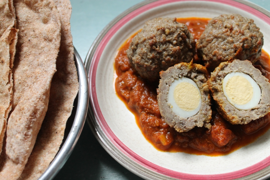 Nargisi Kofta Curry with Quail Eggs